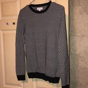 Black and Gray Patterned Sweater